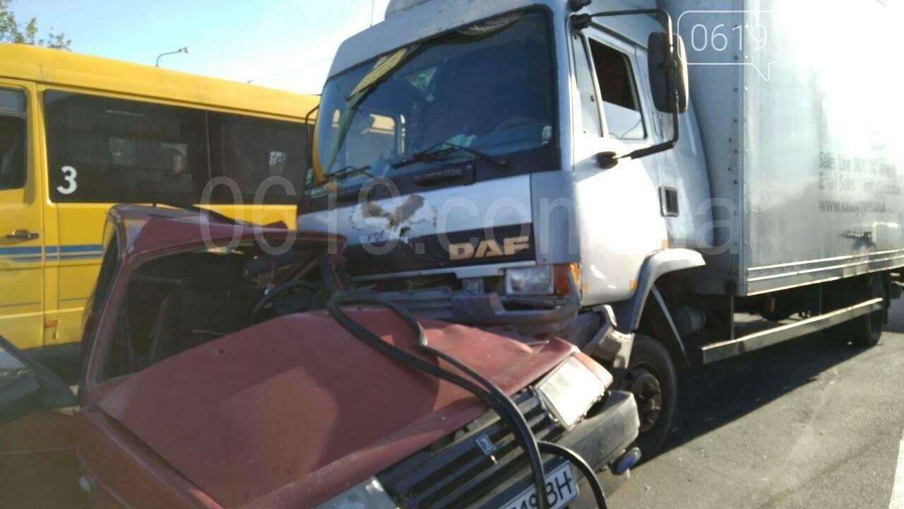Водитель восьмерки чудом остался жив (фото), фото-1, Фото сайта 0619