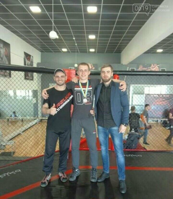 Мелитопольские борцы смешанных единоборств показали мастерство на Чемпионате города, фото-1