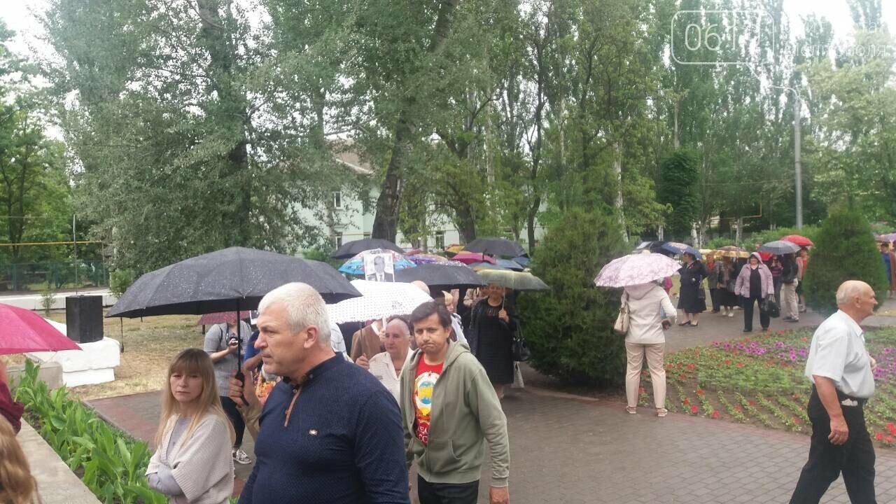 Мелитополь празднует День Победы - не обошлось без провокаторов, фото-7