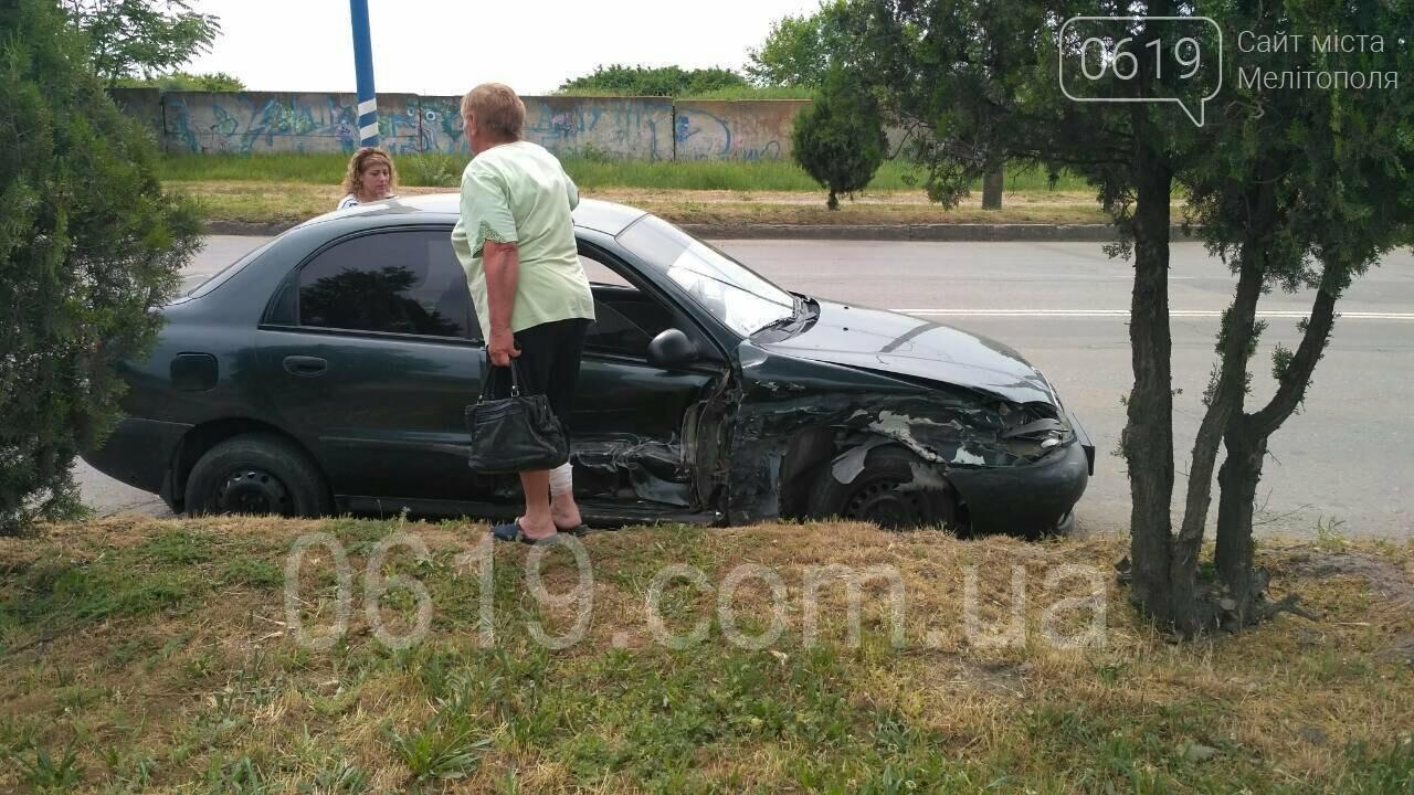 В Мелитополе произошло серьезное ДТП, - ФОТО, фото-6