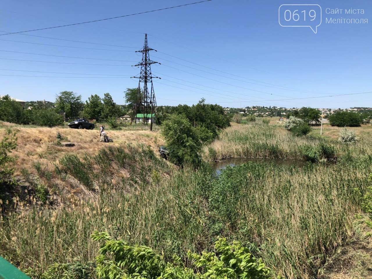 В Мелитополе гонщик чуть не упал в реку, - ФОТО, фото-4