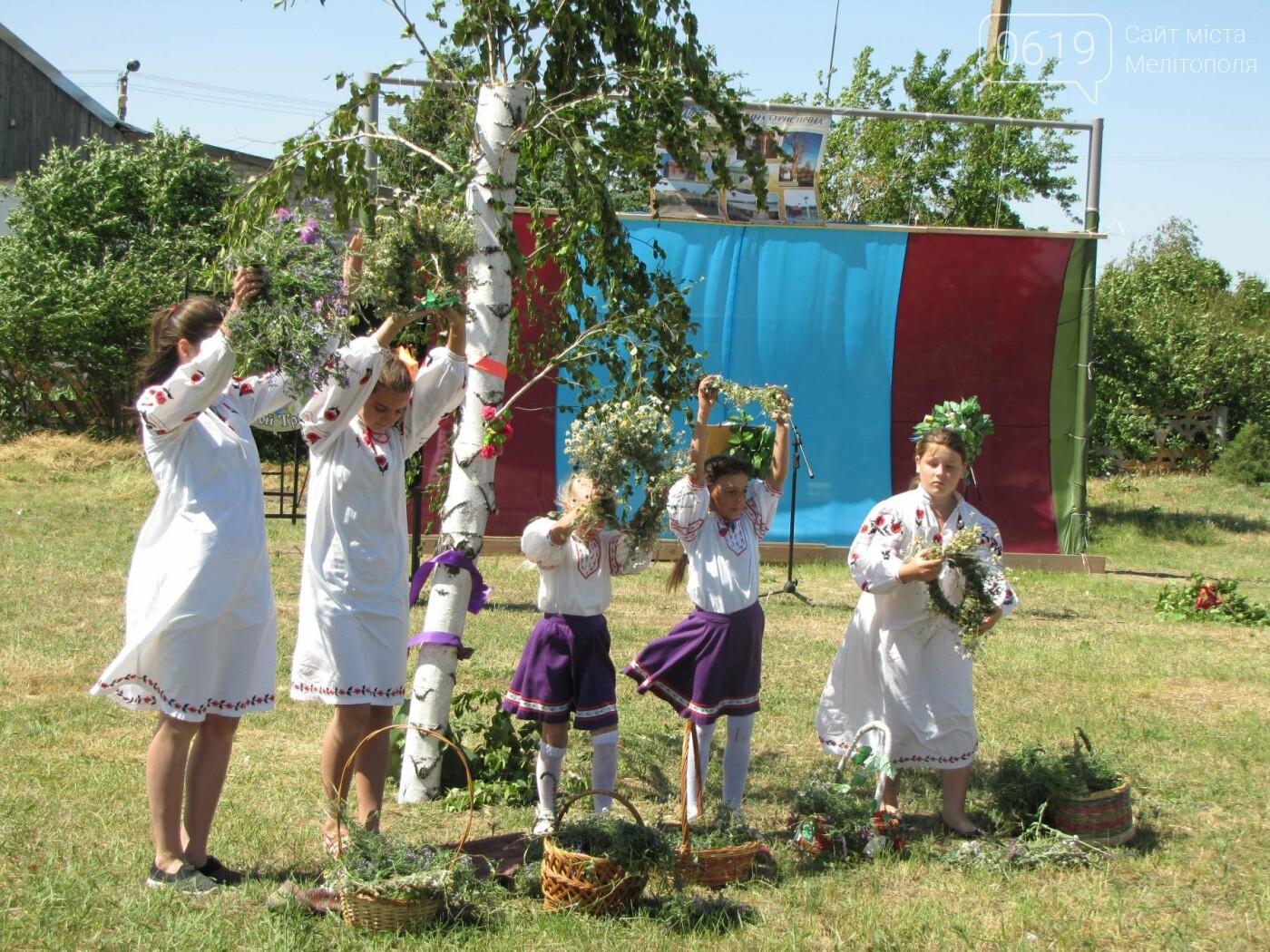 Жители Мелитопольщины отпраздновали Троицу, фото-13