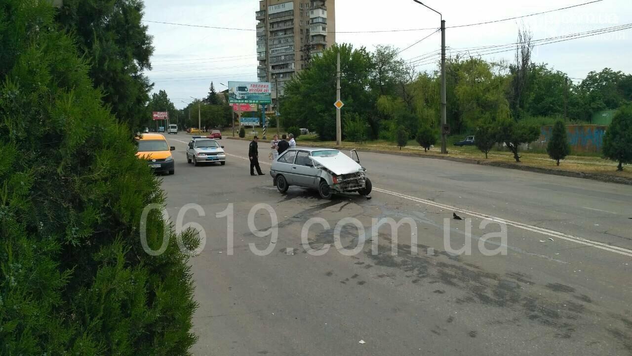 Правоохранители прокомментировали ДТП на центральном проспекте, фото-2