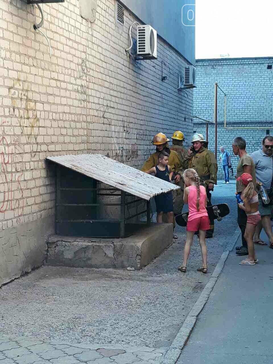 Мелитопольские спасатели потушили пожар в подвале многоэтажки, - ФОТО , фото-4