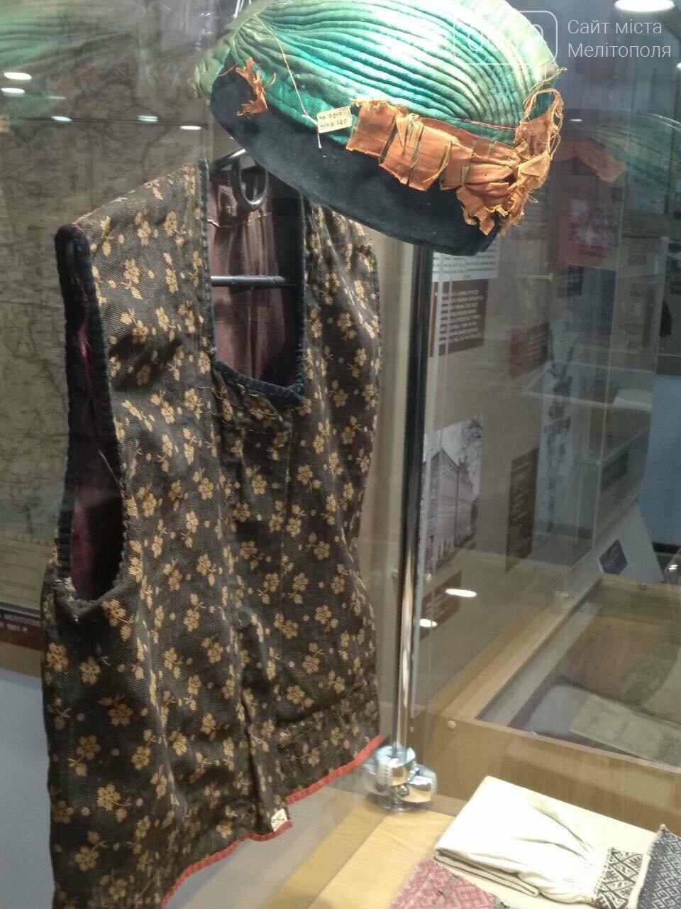 В Мелитополе представили уникальную коллекцию образцов вышиванок, фото-3