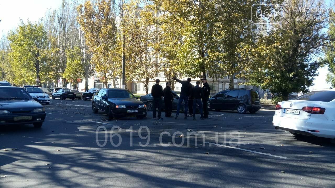 В Мелитополе столкнулись Opel и Mazda, - ФОТО, фото-4