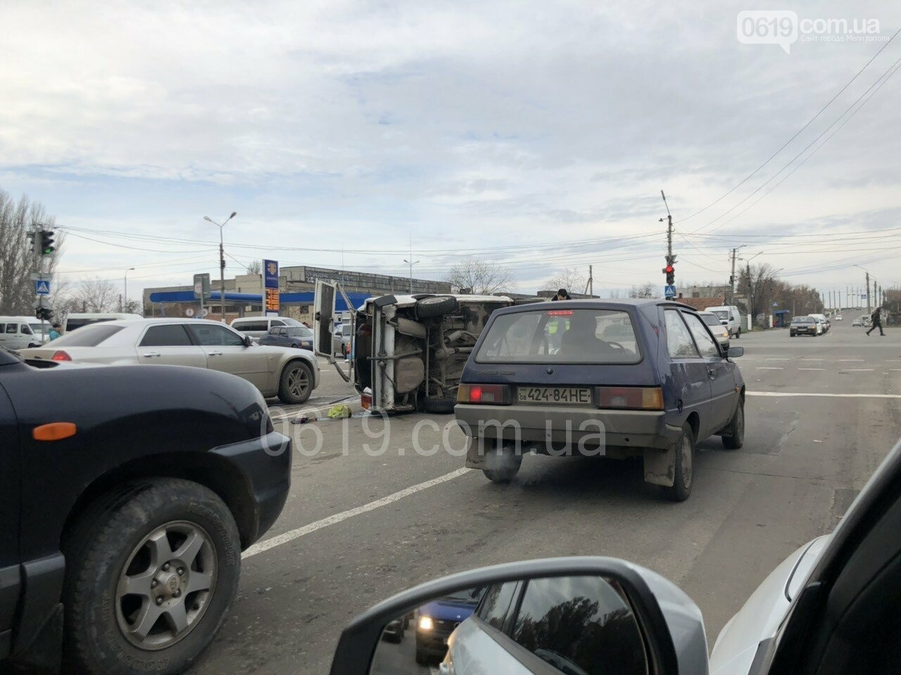 В Мелитополе в результате ДТП перевернулся автомобиль, - ФОТО, фото-2