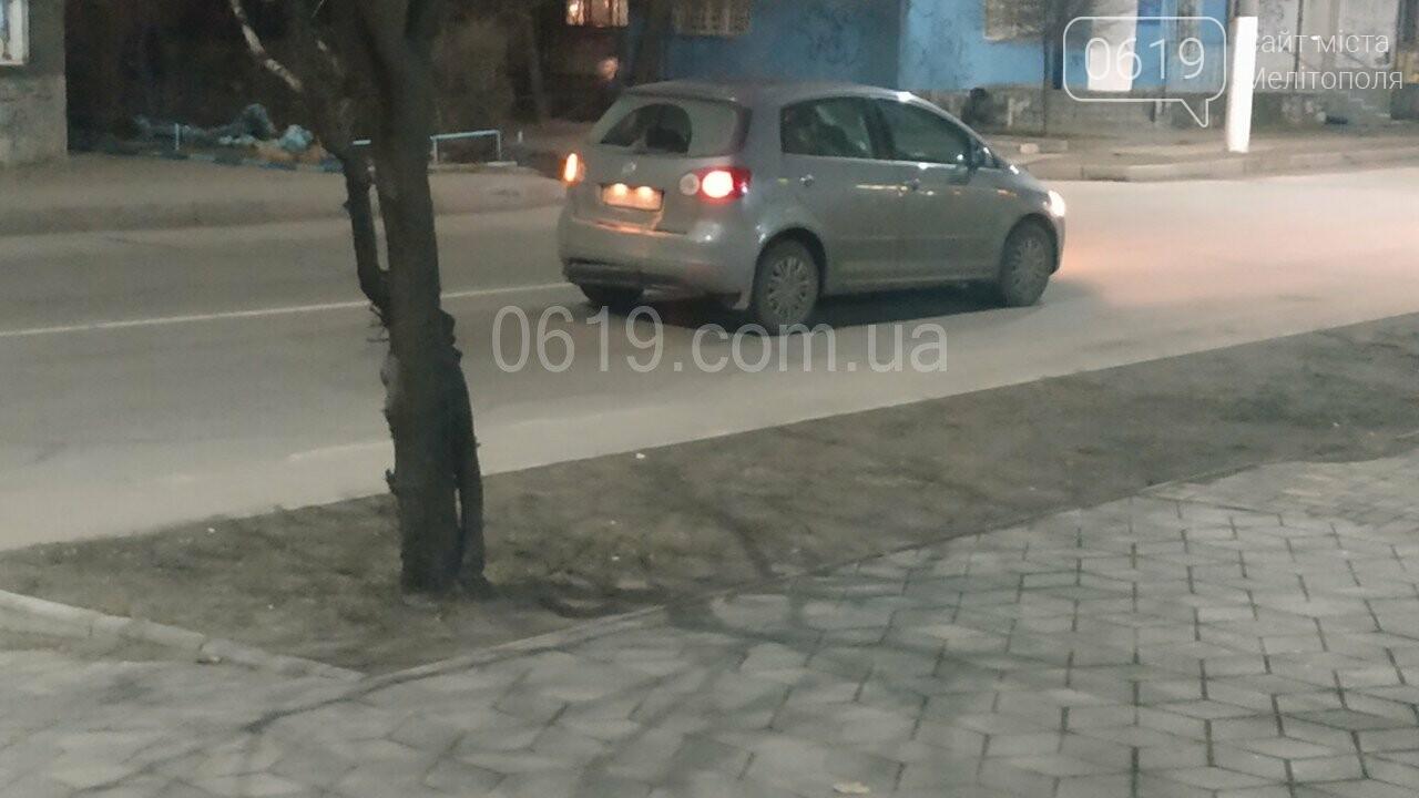 """В Мелитополе на пешеходном переходе """"шестерка"""" догнала Фольксваген, - ФОТО, фото-3"""