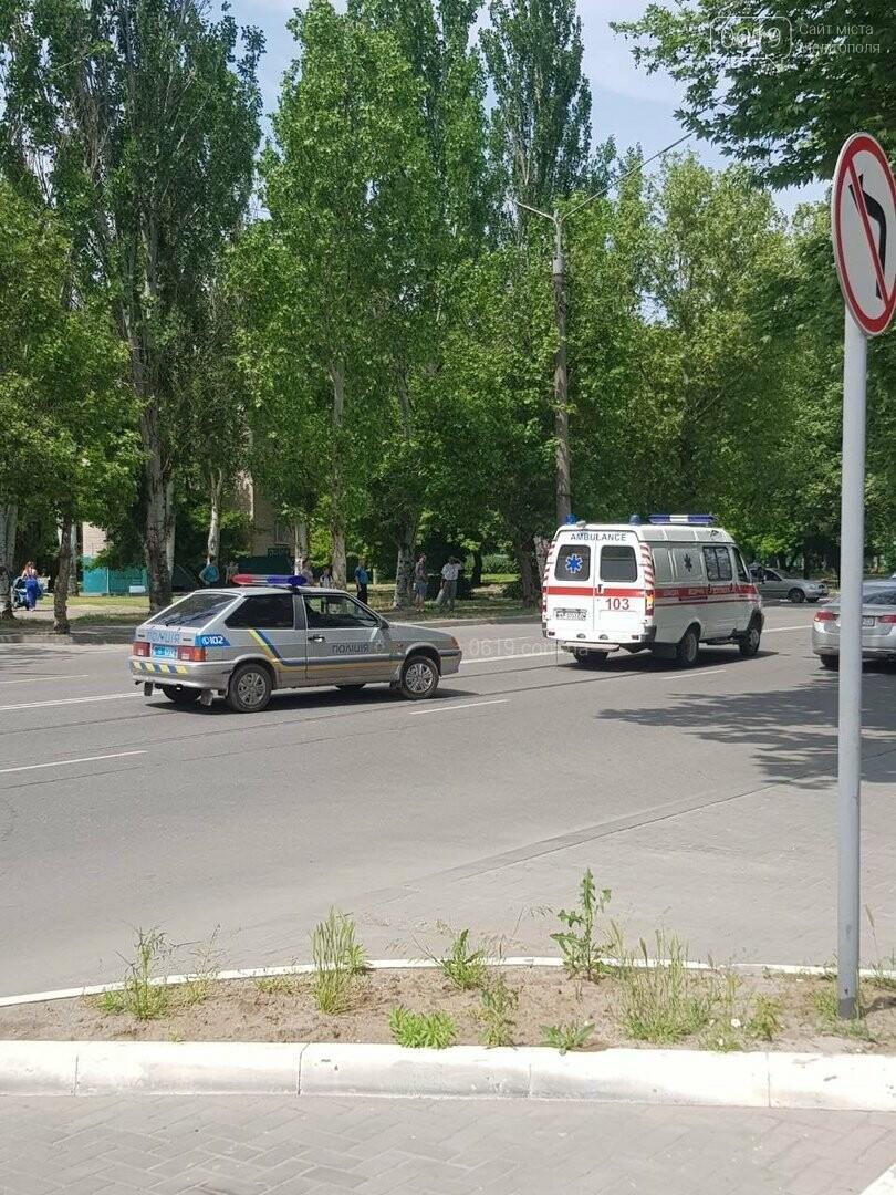 """В Мелитополе """"скорая"""" попала в ДТП, - ФОТО, фото-5"""