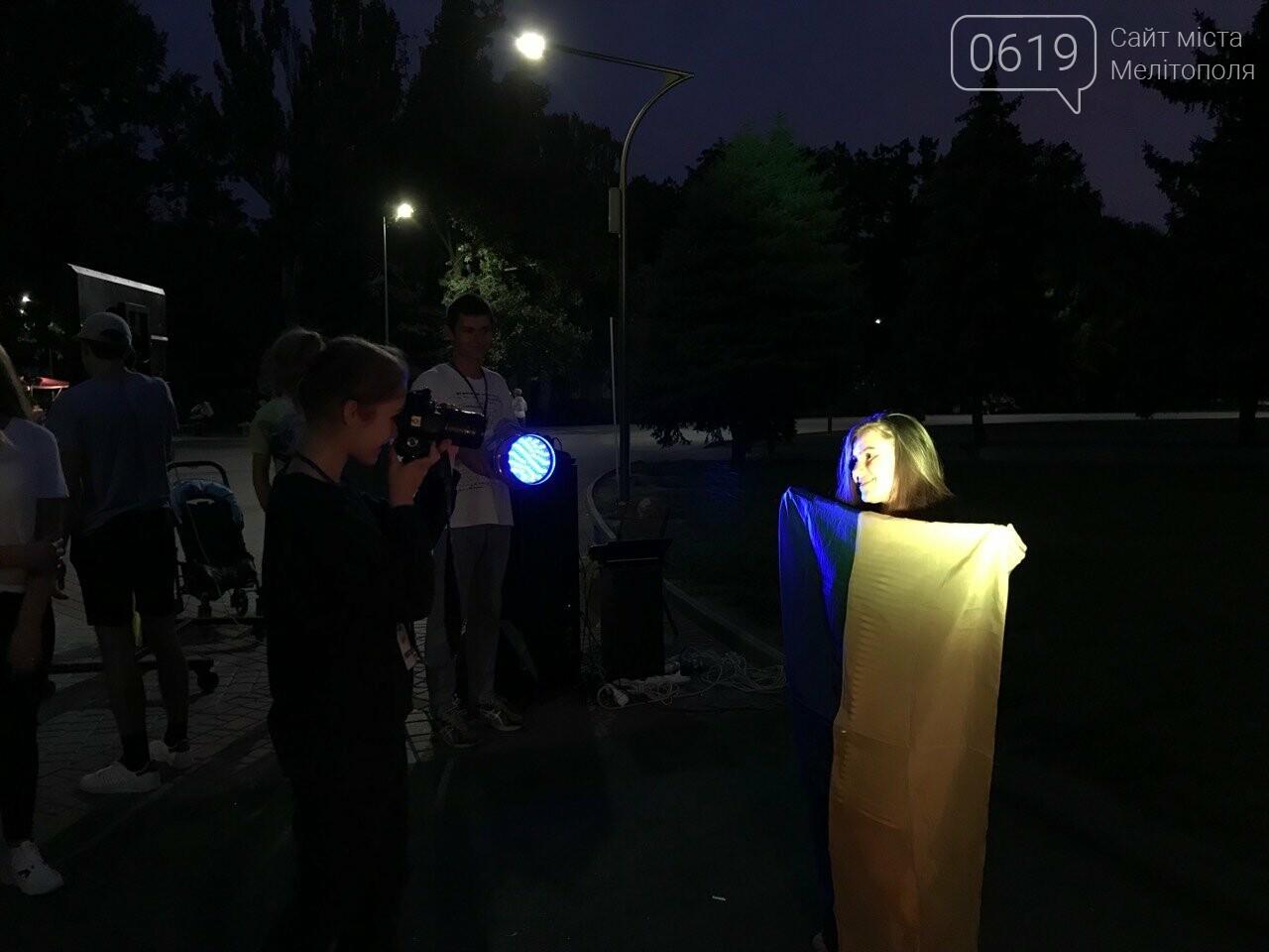 Некоторые мелитопольцы не знают, как выглядит флаг Украины , фото-3