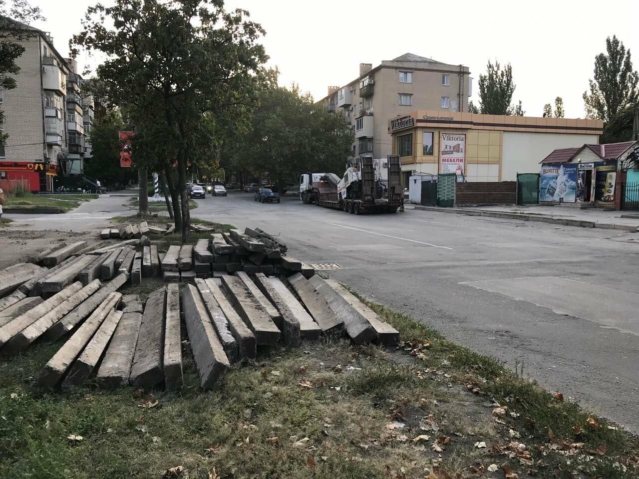 В Мелитополе продолжается ремонт внутридворовых территорий, фото-1