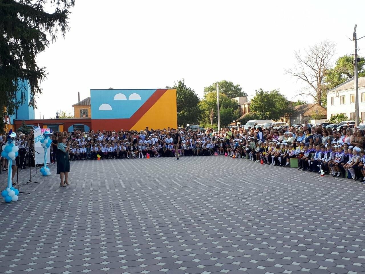 В мелитопольских школах отмечают День знаний, фото-8