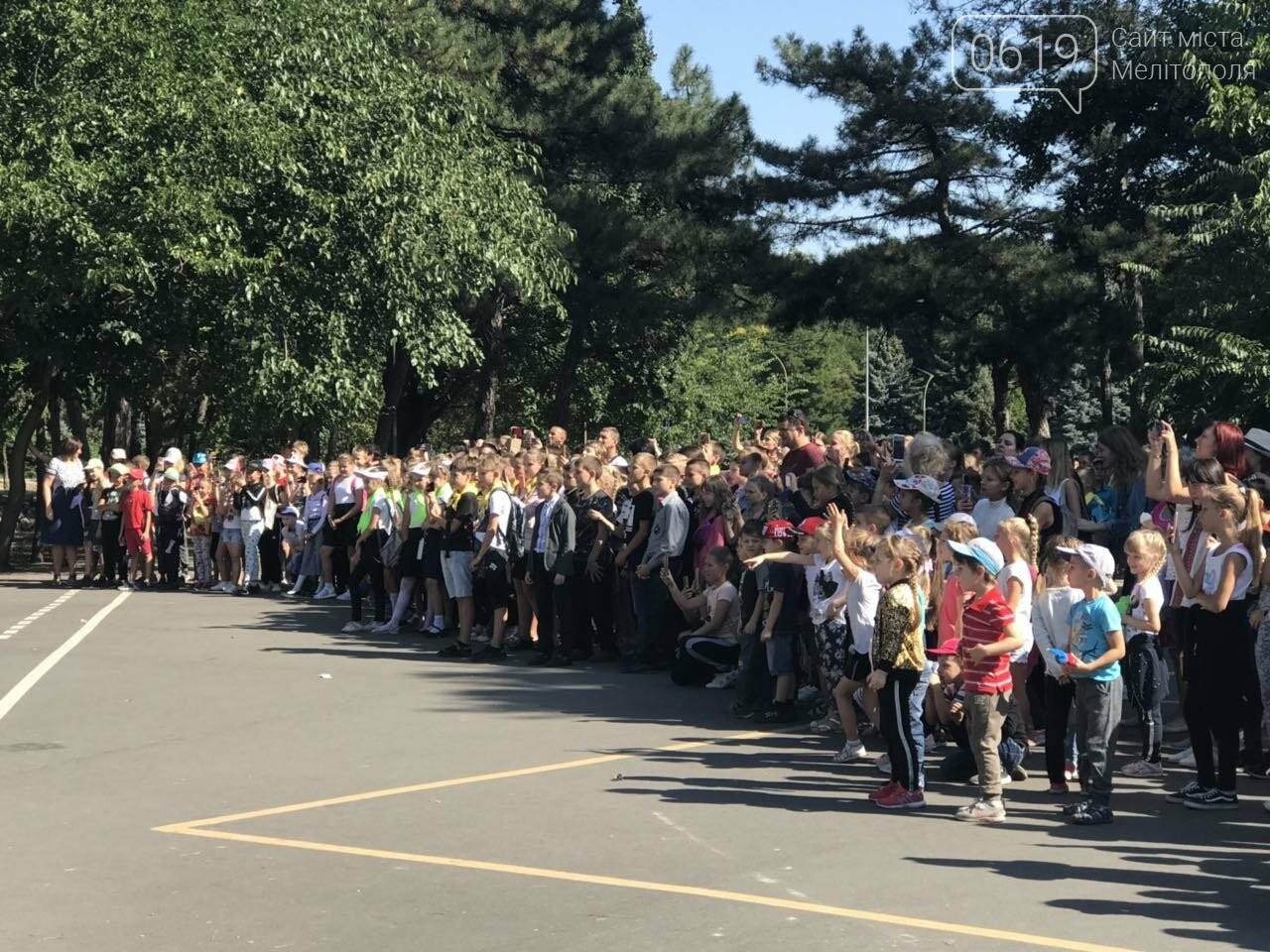 Мелитопольские спасатели провели масштабную акцию для детей, фото-13