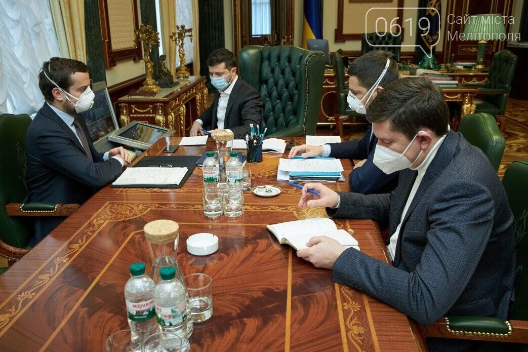 В Україні збираються примусити всіх надягати маски, фото-1
