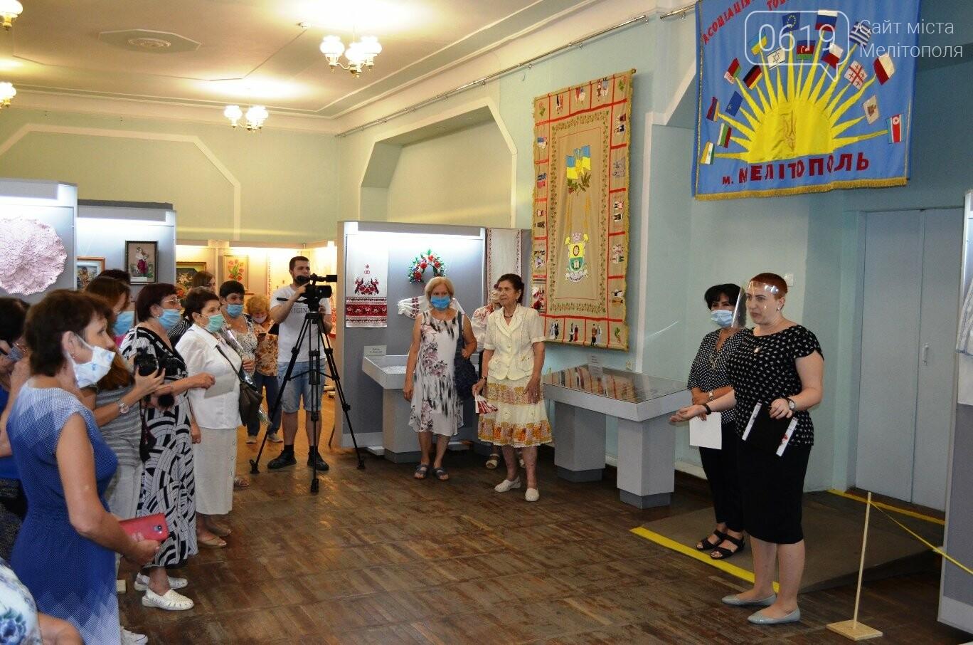 В Мелитопольском краеведческом музее проходит захватывающая выставка, фото-2