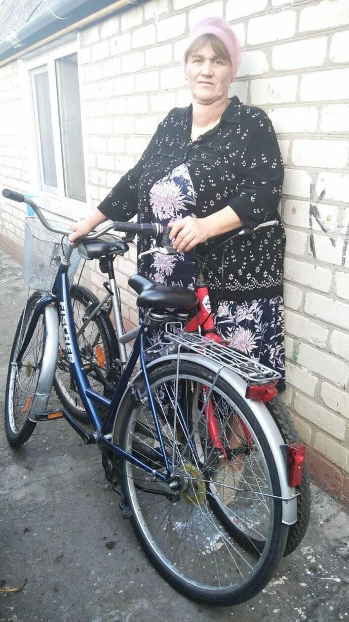 В Мелитополь поступила гуманитарная помощь из Германии: вещи, мебель, велосипеды, фото-3