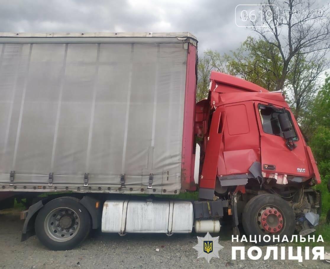 ДТП в Мелитопольском районе с участием 4 авто: пострадавшие - в больнице, фото-3
