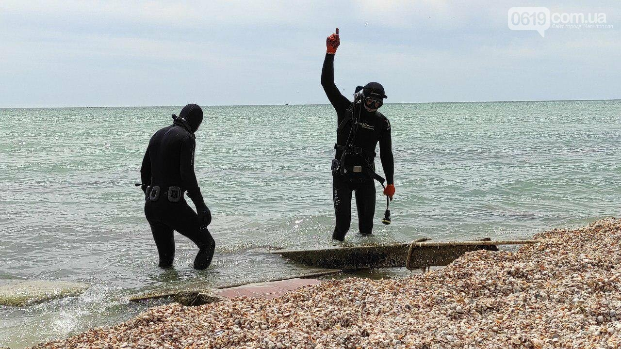 Акваторию дна Азовского моря накануне лета спасатели чистят и обследуют , фото-8