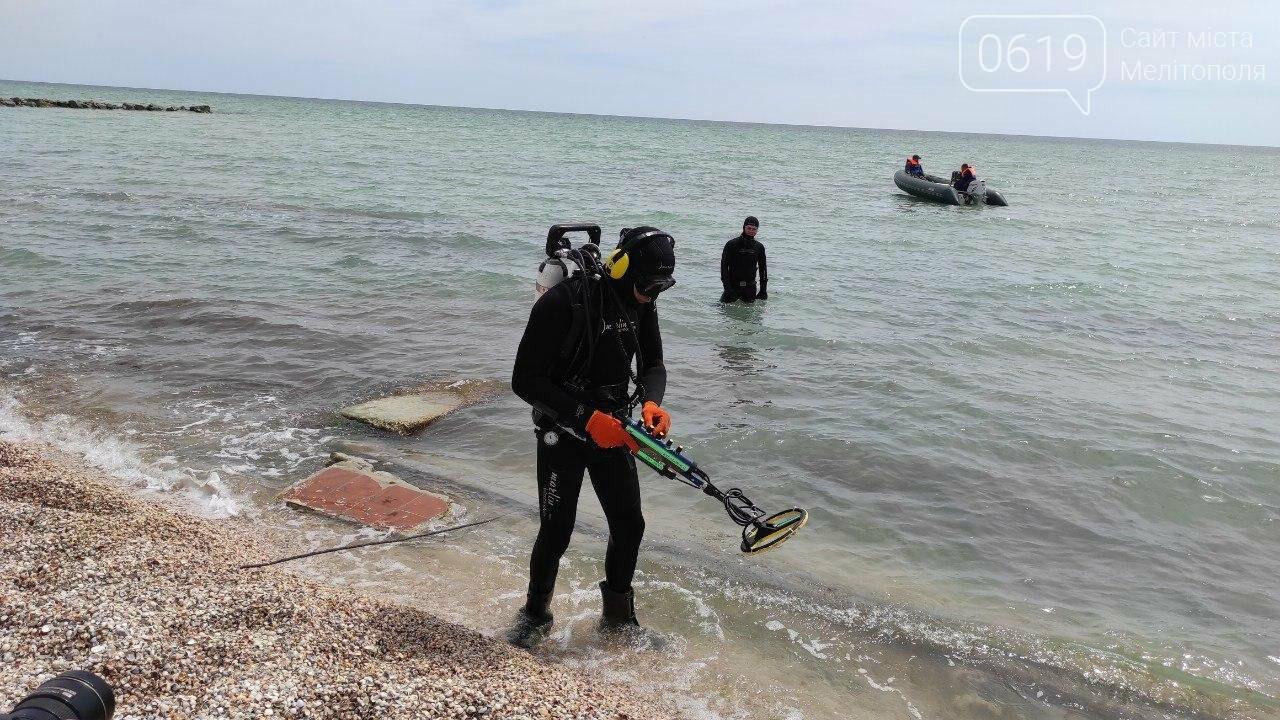 Акваторию дна Азовского моря накануне лета спасатели чистят и обследуют , фото-1