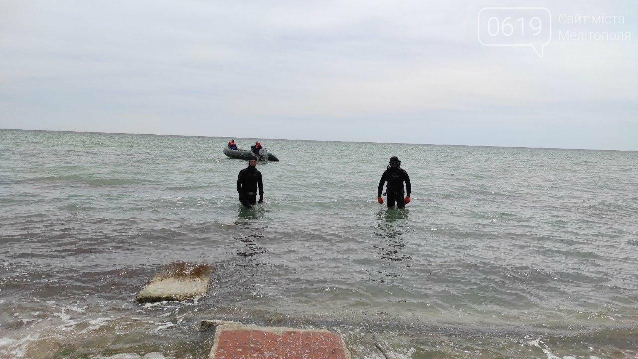 Акваторию дна Азовского моря накануне лета спасатели чистят и обследуют , фото-2