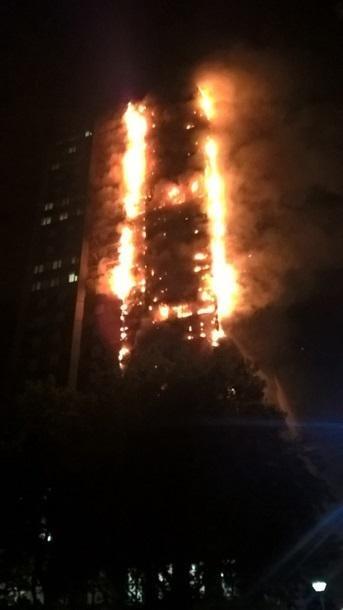 Пожар в Лондоне: пострадали 30 человек , фото-6, Фото Корреспондент.net