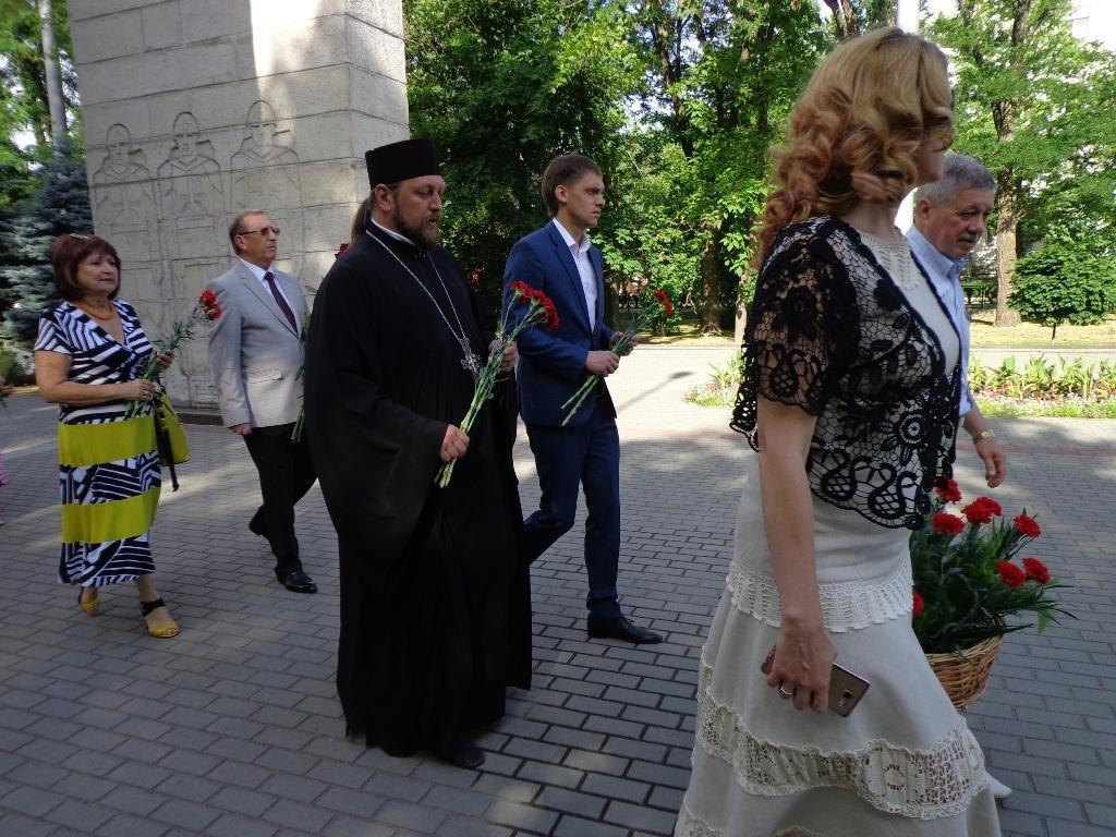 Благочинный принял участие в официальном мероприятии Дня памяти и скорби, фото-2