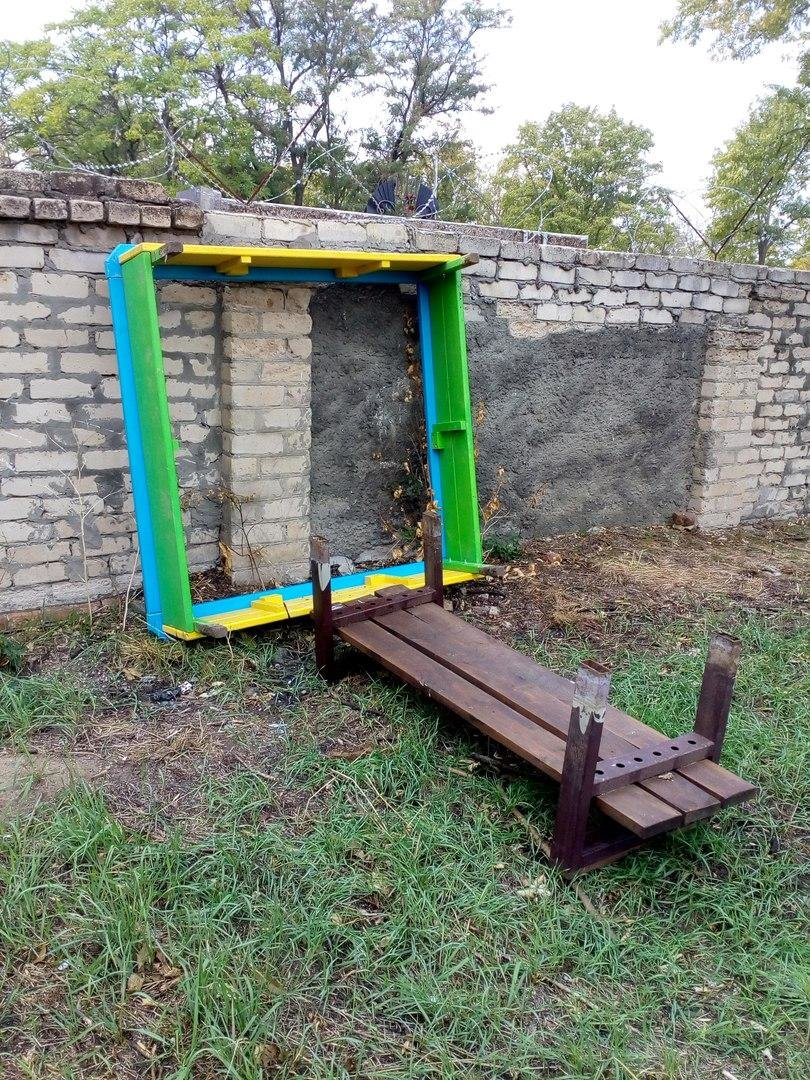 Вандалы разгромили детскую площадку , фото-3, Фото из соцсети