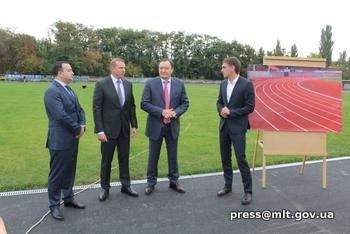 Глава Запорожской областной администрации побывал на главном стадионе города , фото-2, Фото