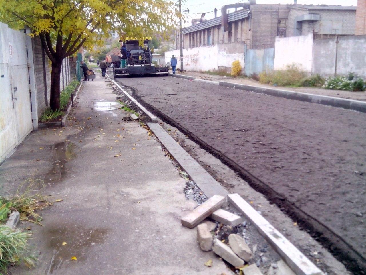 На улице Стамболи начали укладывать асфальт , фото-3