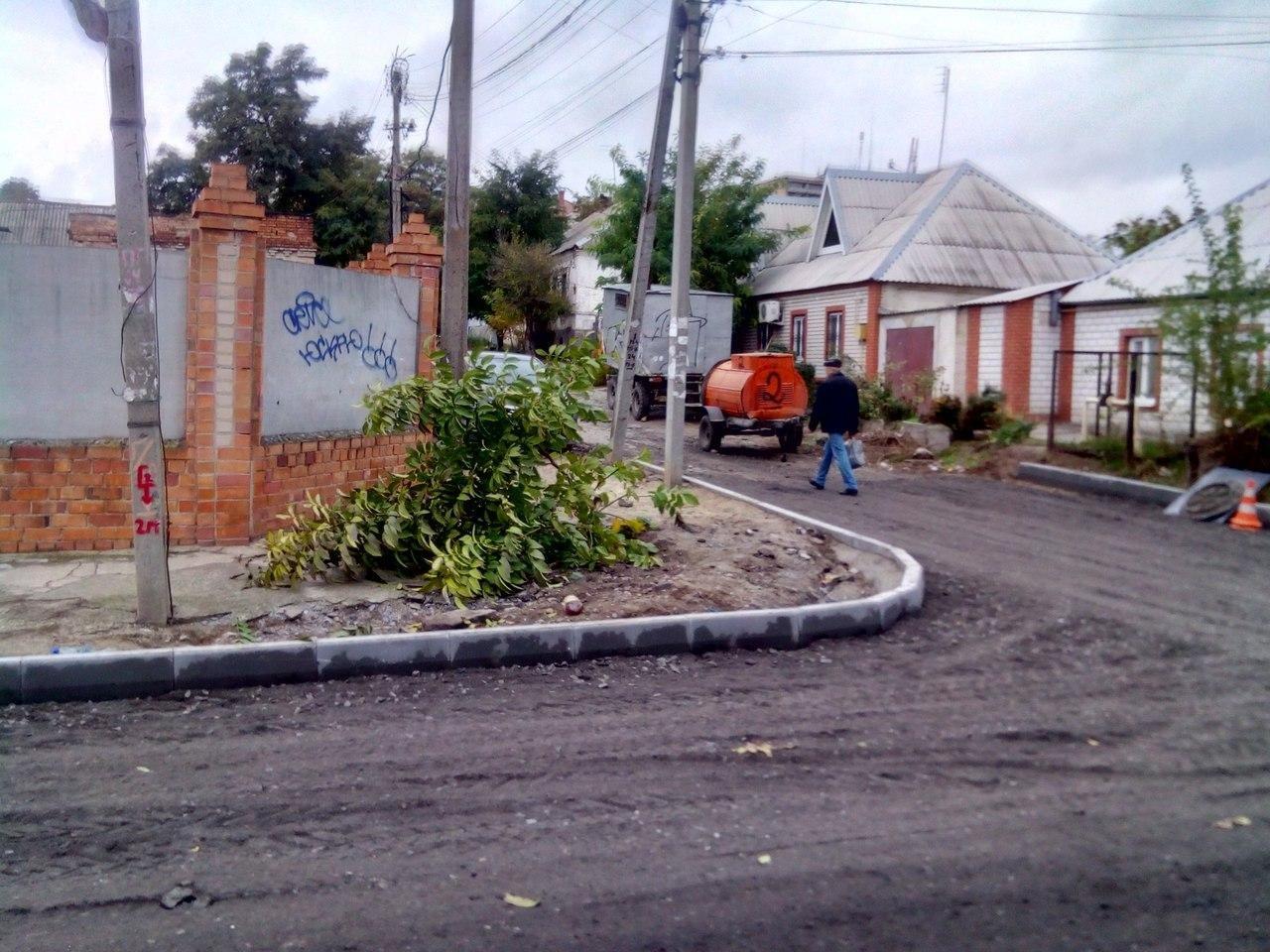 На улице Стамболи начали укладывать асфальт , фото-1