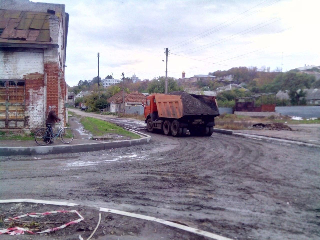 На улице Стамболи начали укладывать асфальт , фото-4