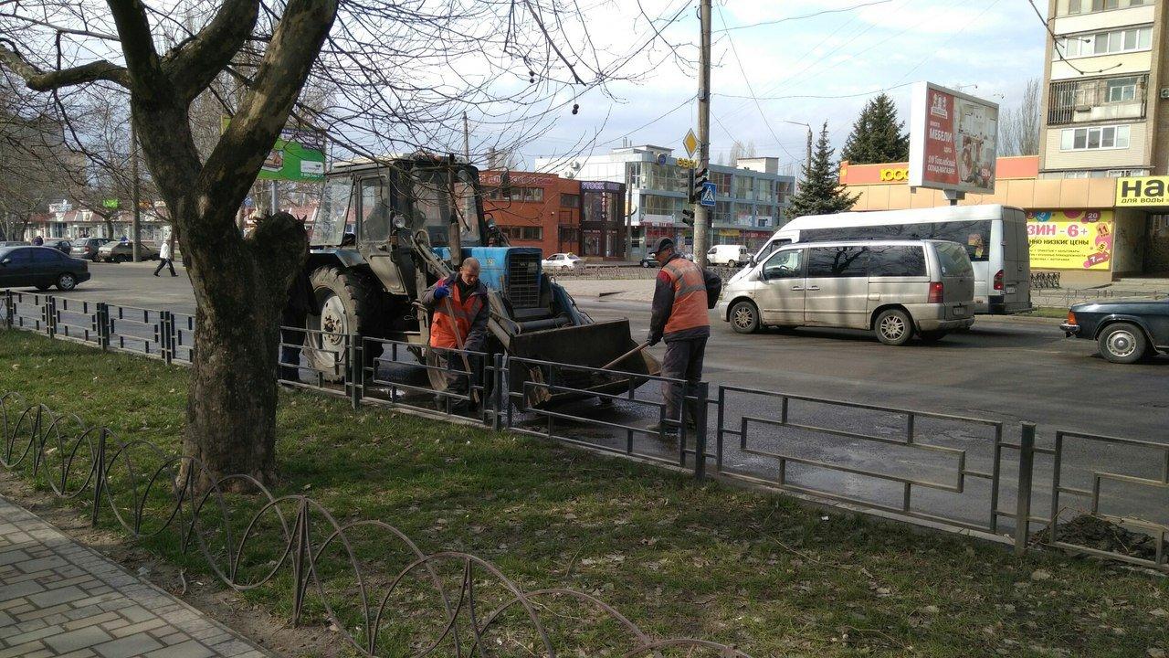 Мелитополь чистят от грязи, фото-2