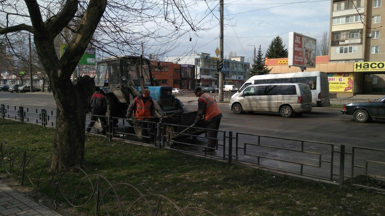 Мелитополь чистят от грязи, фото-1