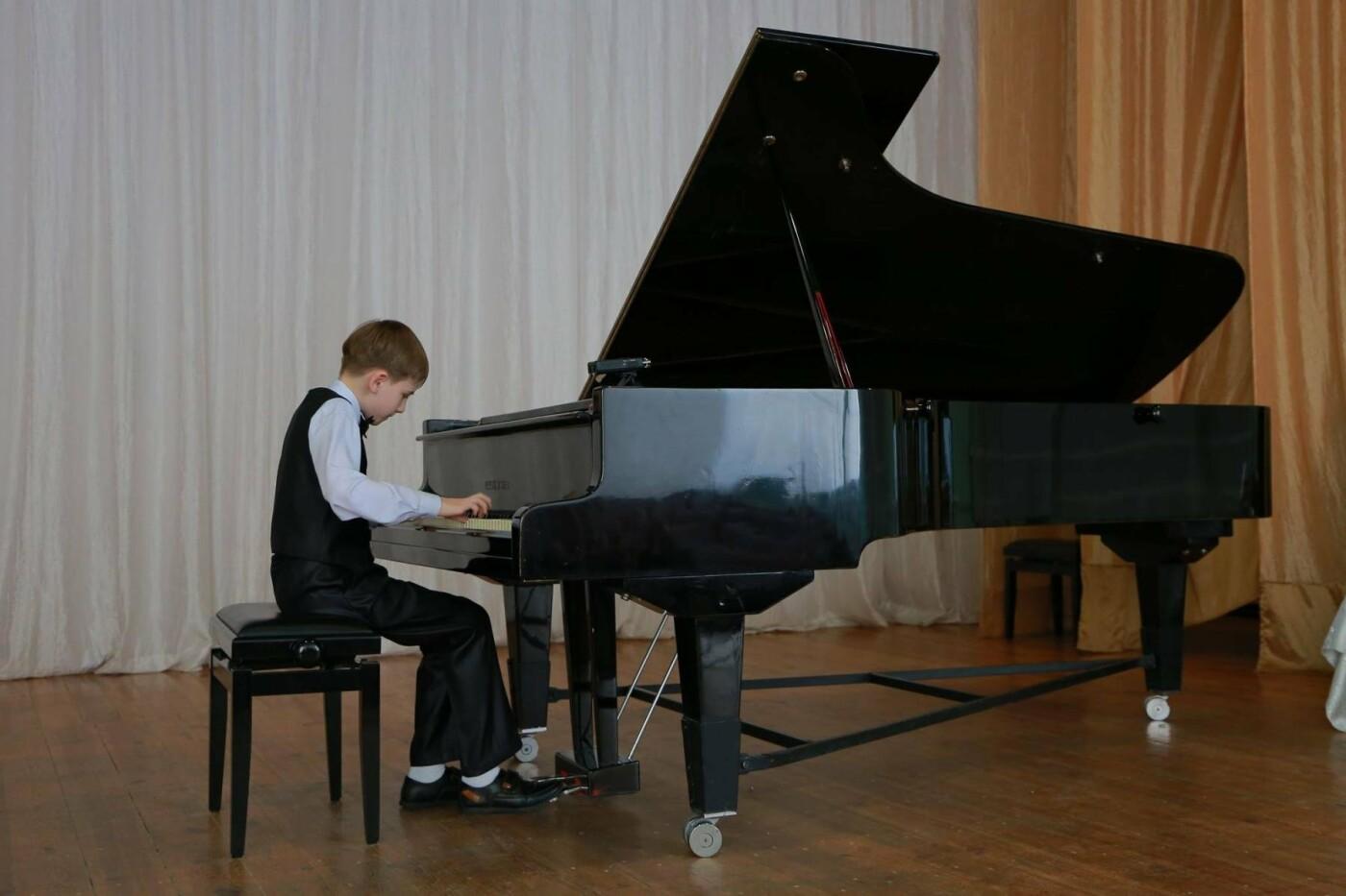 Мелитополец организовал концерт в память о матери , фото-3