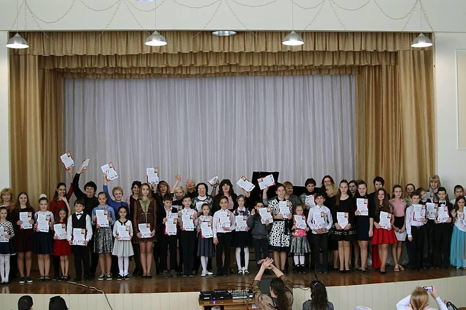 Мелитополец организовал концерт в память о матери , фото-2