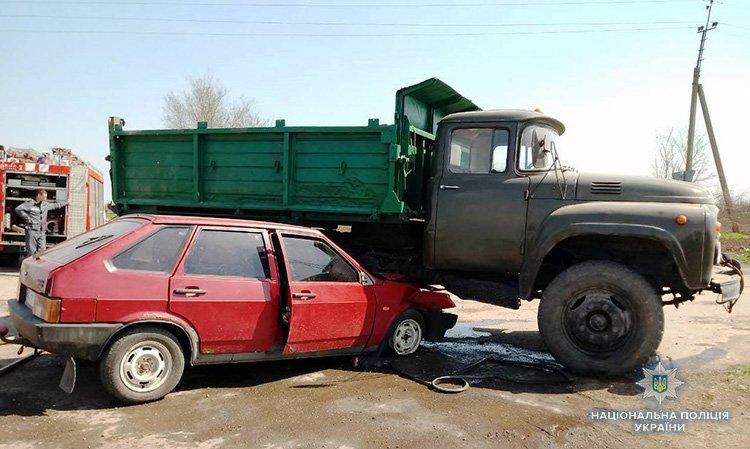 В Мелитопольском районе ВАЗ попал под ЗИЛ - пострадало два человека, - ФОТО , фото-1