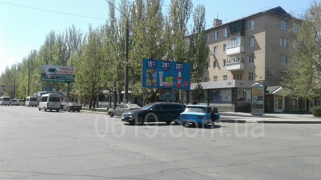 В Мелитополе столкнулись Volkswagen Passat и ВАЗ, - ФОТО, фото-1