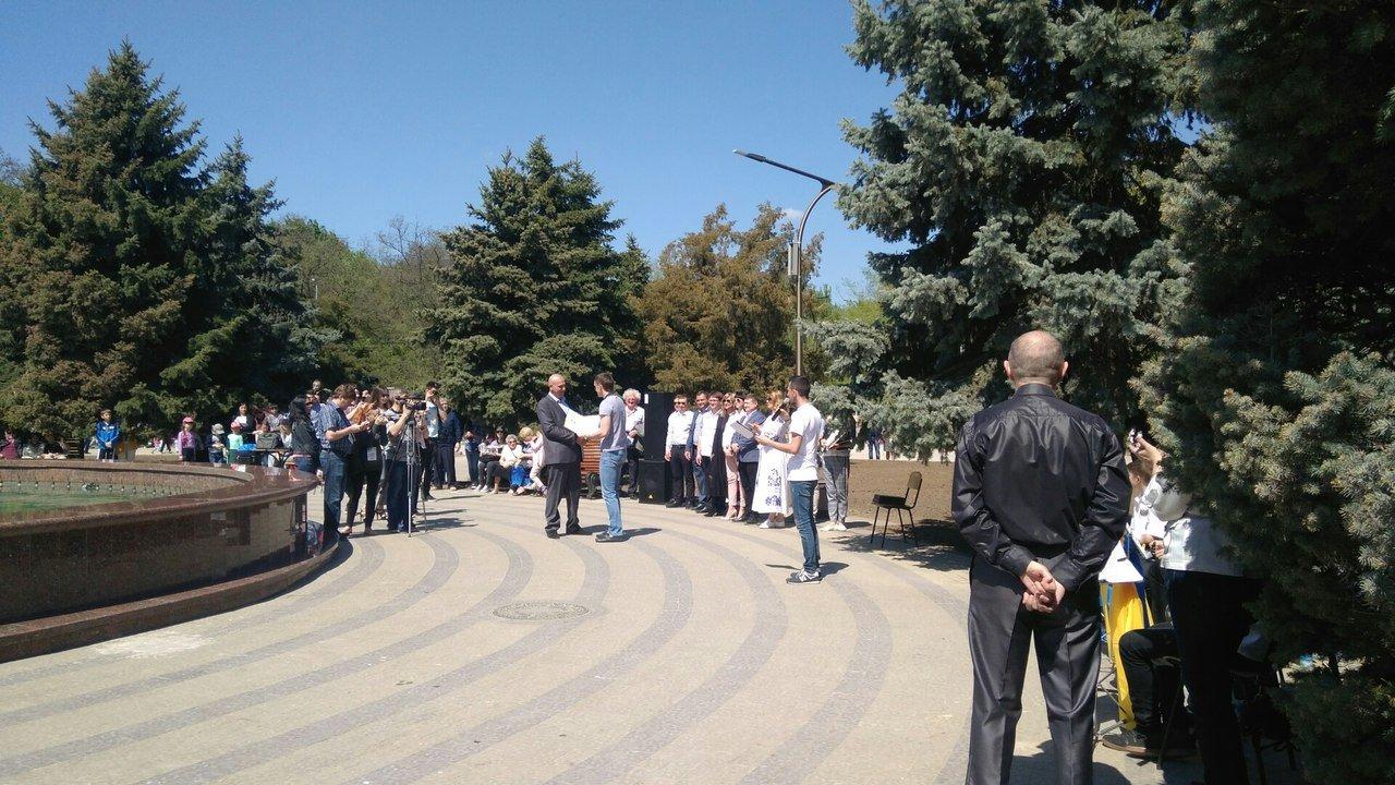 В мелитопольском парке состоялось торжественное открытие светомузыкального фонтана, фото-3