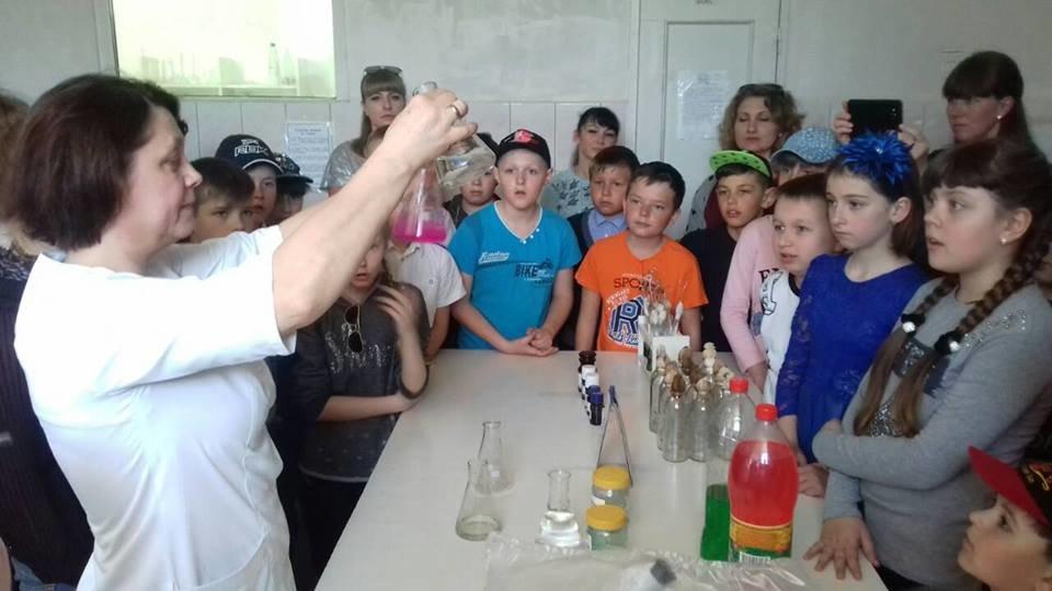 Мелитопольские школьники побывали на производстве минеральной воды, фото-2