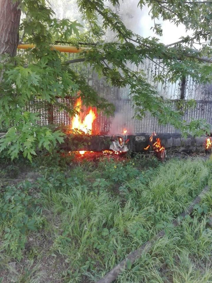 В Мелитополе возле студенческого общежития подожгли газопровод, фото-2