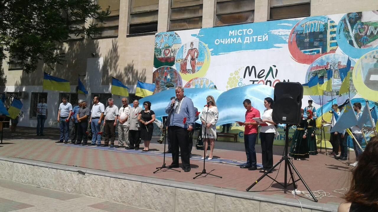 В Мелитополе проходит митинг ко Дню скорби и памяти жертв депортации крымскотатарского народа, фото-6