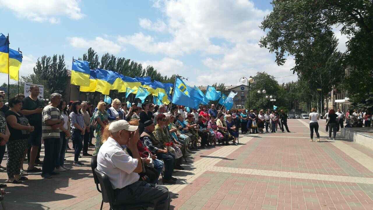 В Мелитополе проходит митинг ко Дню скорби и памяти жертв депортации крымскотатарского народа, фото-2
