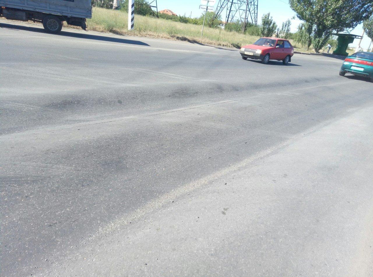 В Мелитополе в ремонте нуждается участок дороги , фото-3, Фото из соцсетей