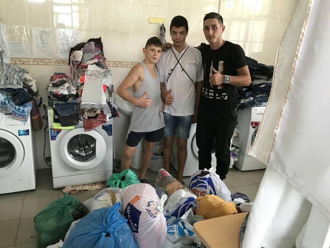 Мелитопольцы порадовали детей из приюта, фото-2