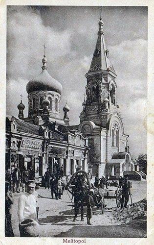На месте собора развернули торговлю, фото-2
