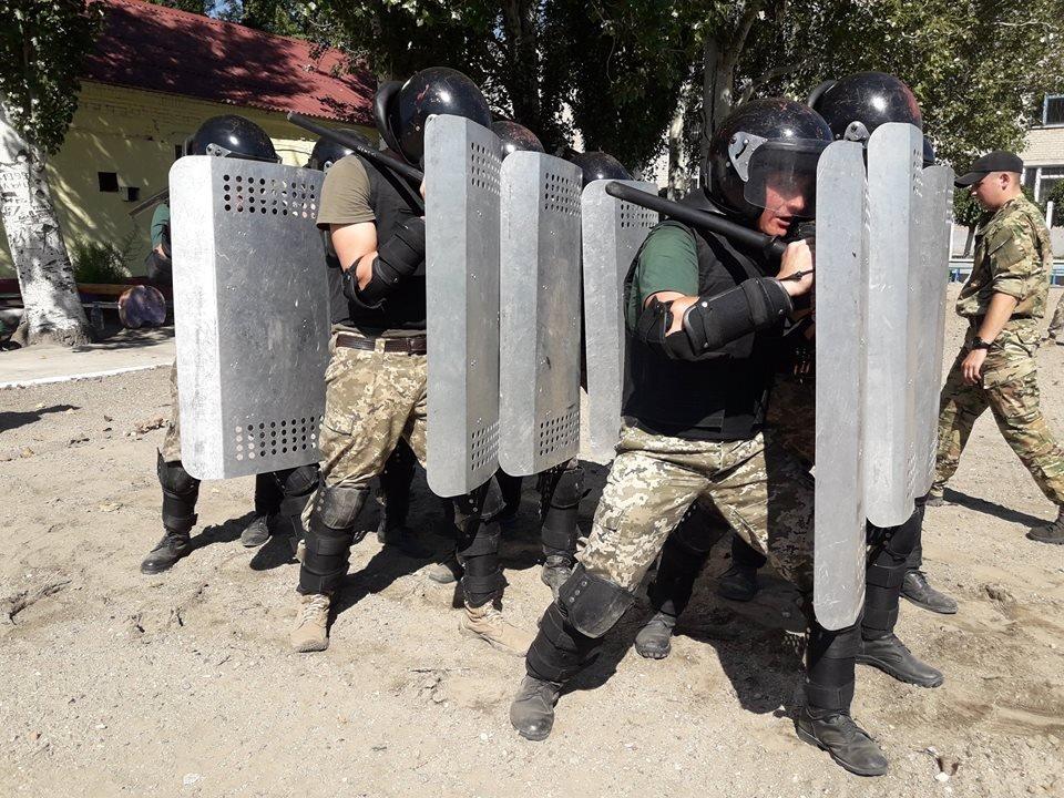 В мелитопольской колонии учились подавлять массовые беспорядки, фото-3