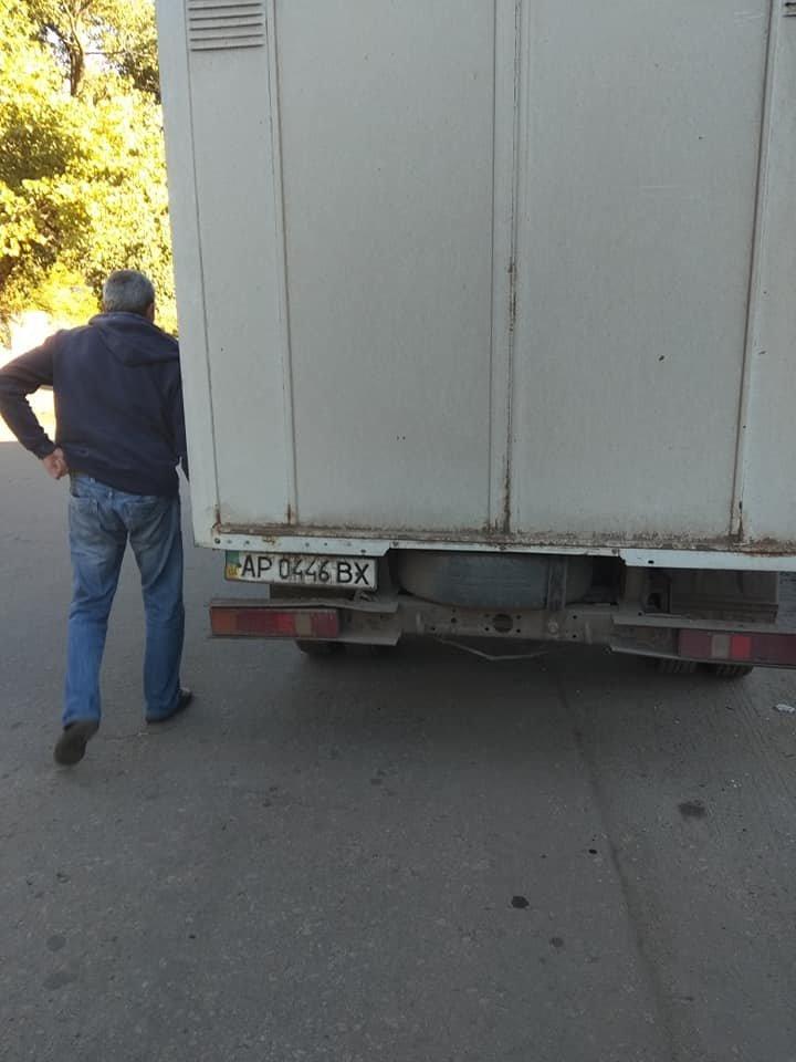 В Мелитополе хлеб перевозят вместе с мусором , фото-2