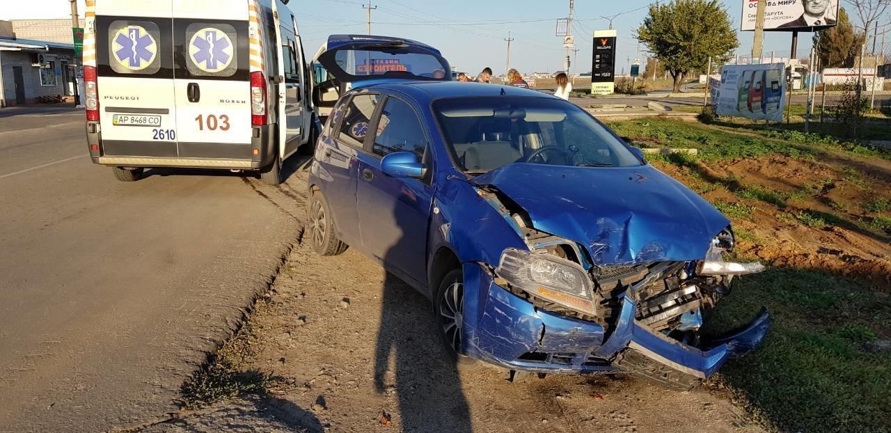 В Кирилловке произошло ДТП с участием трех транспортных средств, фото-1