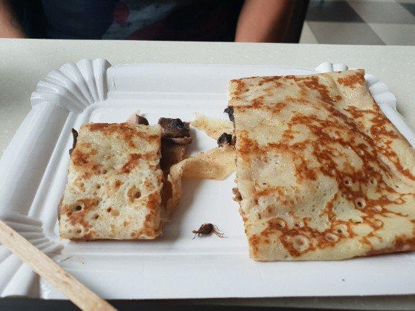 В мелитопольском кафе подают блины с отвратительной начинкой, фото-1