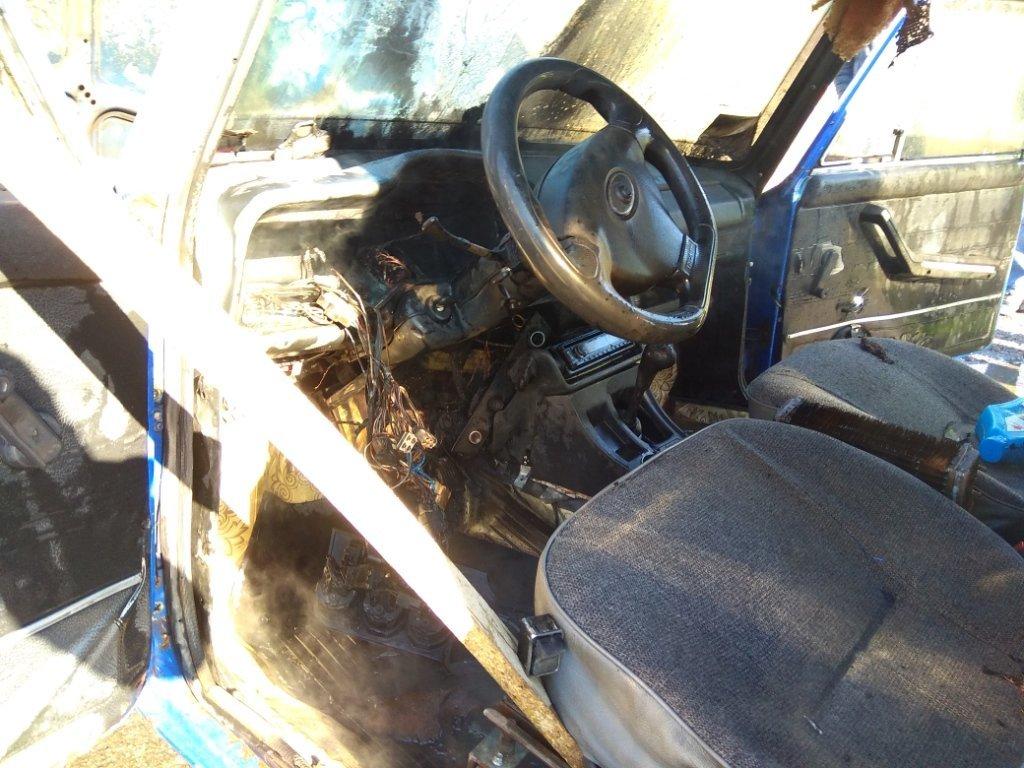 В Акимовском районе горел автомобиль, - ФОТО, фото-1